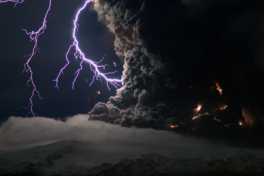 Lightning over an icelandic volcano